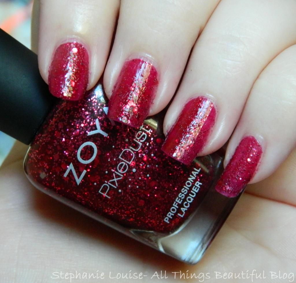 Zoya Fall 2014 Pixie Dust Trio Swatches & Review of Noir, Arianna, + Oswin   #zoya #glittter #nails #textured #nailpolish #manicure