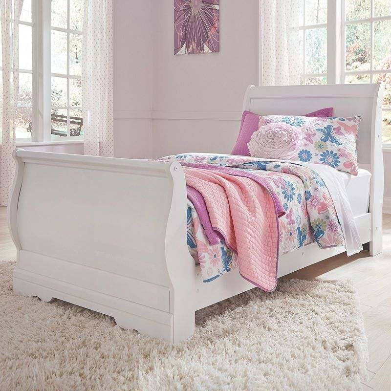 Best Signature Design By Ashley Anarasia Sleigh Bed Bedroom Furniture Sets Ashley Furniture Queen 400 x 300