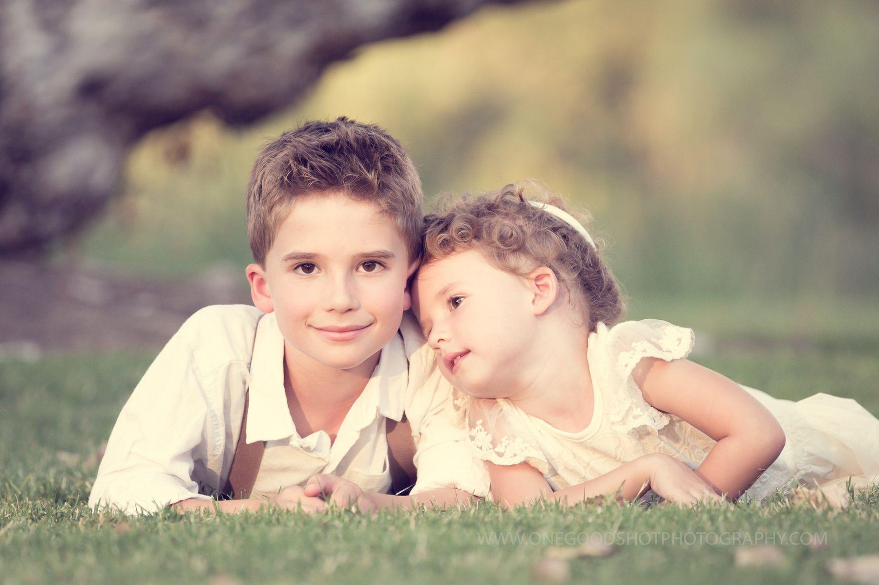 Картинка на тему брат и сестра