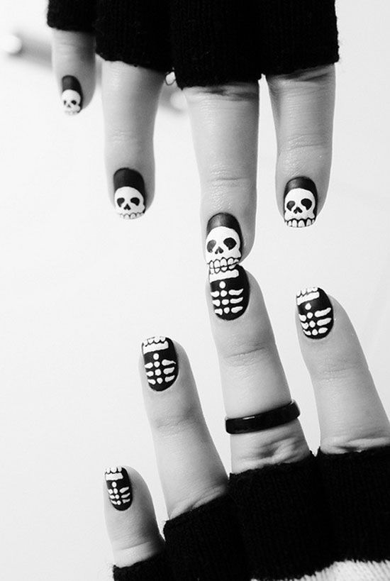 25 simple easy scary halloween nail art designs ideas pictures 25 simple easy scary halloween nail art designs ideas pictures 2012 16 25 simple easy prinsesfo Choice Image