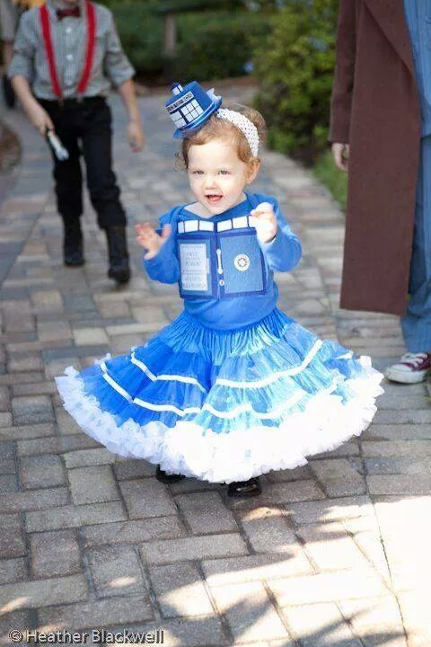 Found this on Google+. Girl in a TARDIS dress.
