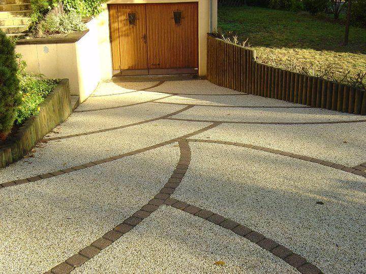 Entrée de garage en Articimo Désactivé Le béton est un matériel - Prix D Une Terrasse Beton