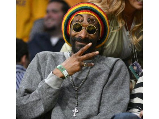 Rapper and actor Snoop Dogg was part of the celebrity scene courtside Friday at Staple Center for the Lakers-Thunder game.    PHOTO BY MARK J. TERRILL, THE ASSOCIATED PRESS, TEXT BY EARL BLOOM, THE ORANGE COUNTY REGISTER