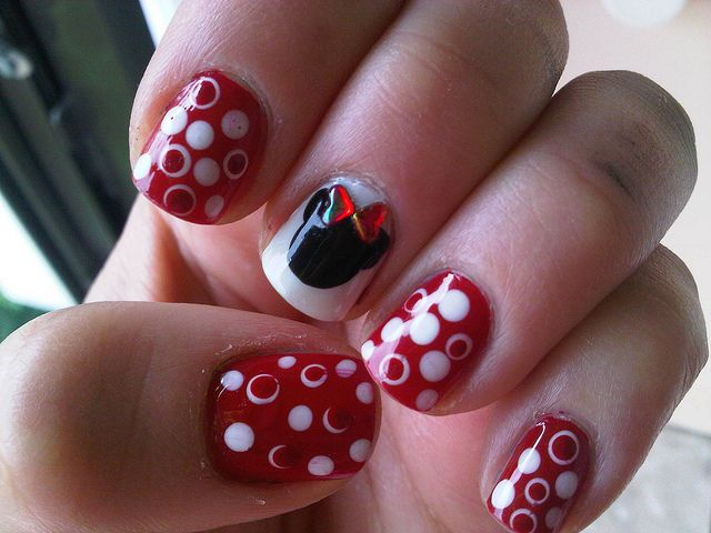 Minnie Mouse Nail Art | Nail art | Pinterest