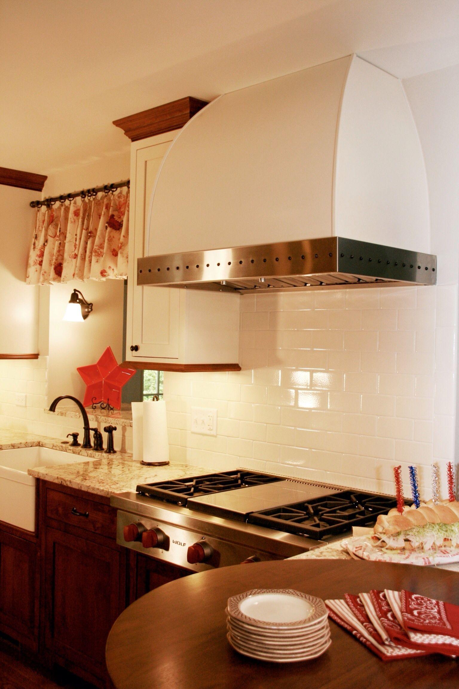 Schön Benutzerdefinierte Küchenhaube Fertigung Ideen - Küchen Design ...