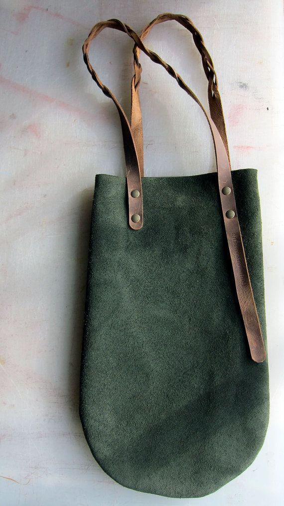 bf5199c730f little green leather bag with brown leather straps Groen Leer, Groene  Suède, Lederen Tassen