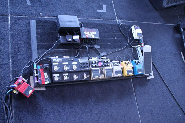 gallery pro pedalboards 2012 voodoo lab onstage pedalboard guitar pedals roger waters the. Black Bedroom Furniture Sets. Home Design Ideas