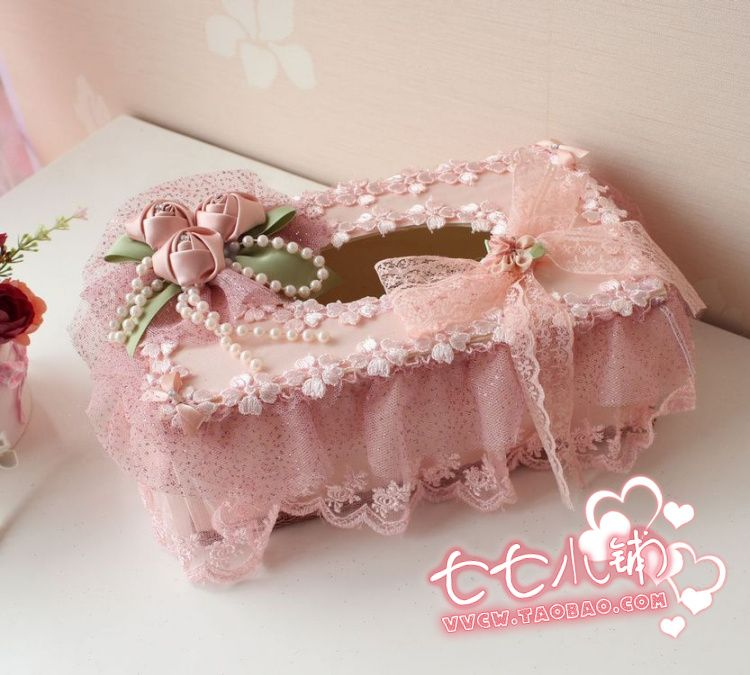 33 Sweet Shabby Chic Bedroom Décor Ideas: Sweet Idea For Decorating Tissue Box Holder.