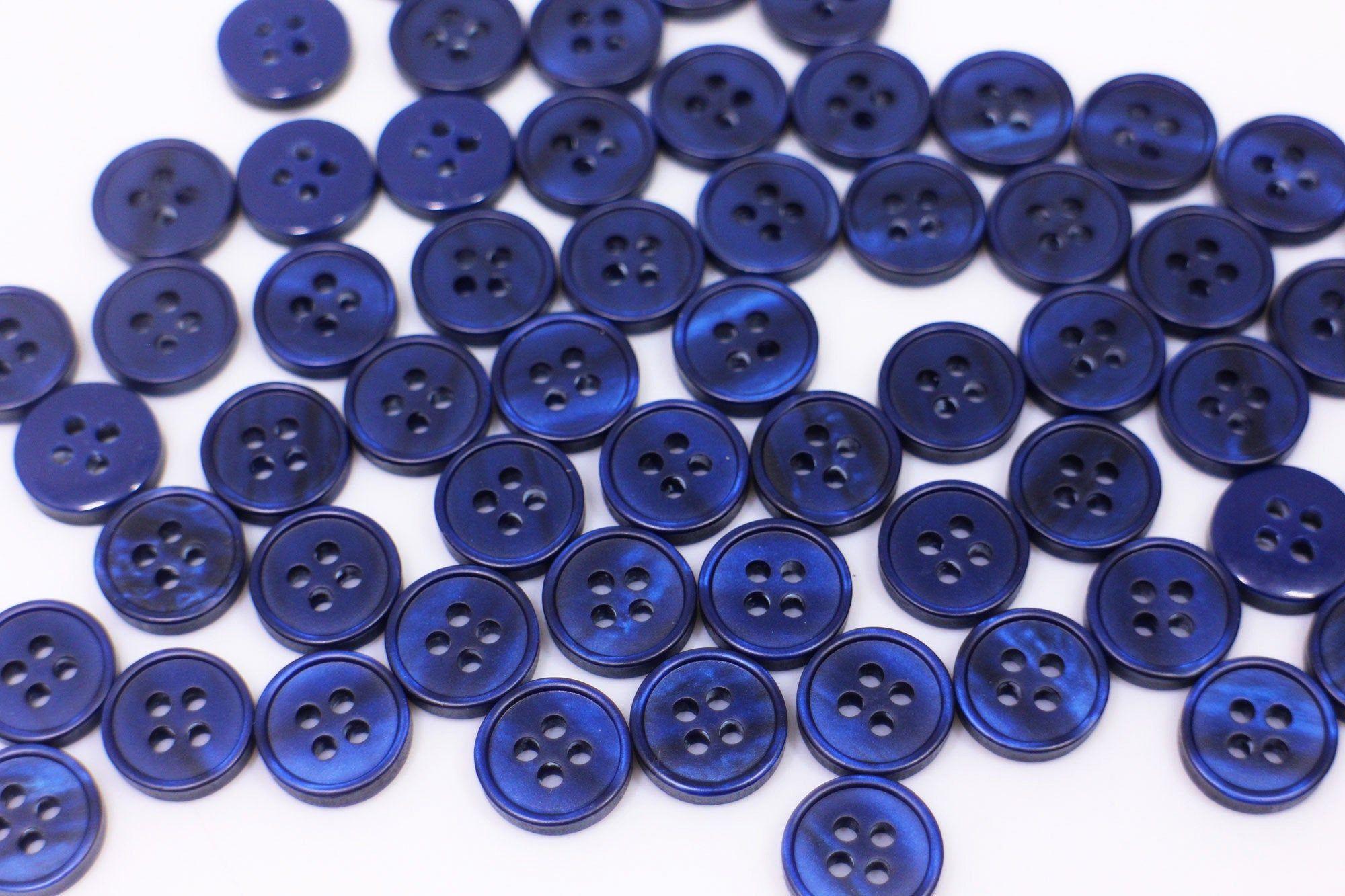 diameter 1.3 cm Four vintage buttons purple