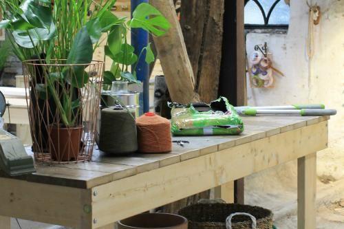 Maak je eigen oppottafel eigen huis en tuin diy tuin for Eigen huis en tuin cast