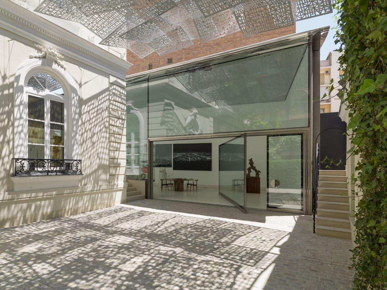 House window sunshade design  floating brise soliel idea  awningsunshade  hotel  pinterest