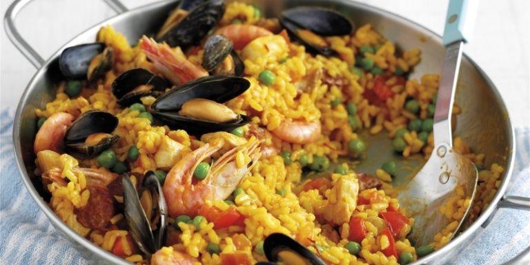 12 stunningly easy spanish recipes paella easy spanish recipes 12 stunningly easy spanish recipes forumfinder Choice Image