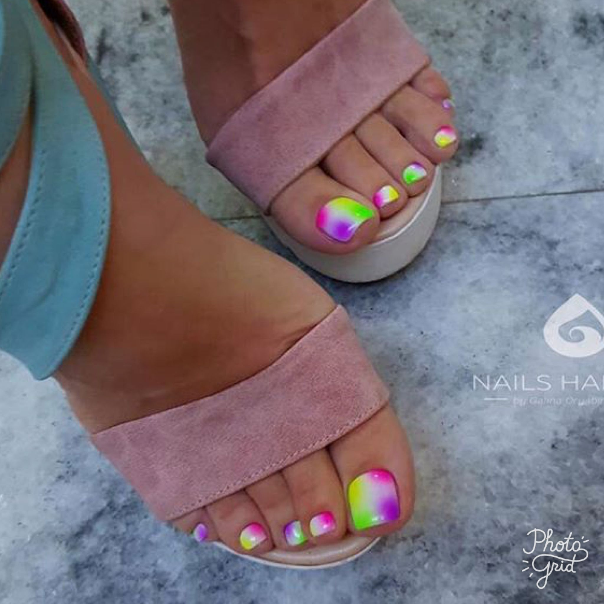 Sandal ready Toe nail art design idea! | decorado de unas | Manicure ...