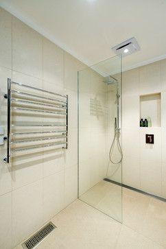 Douche avec un drain linéaire - belle intégration