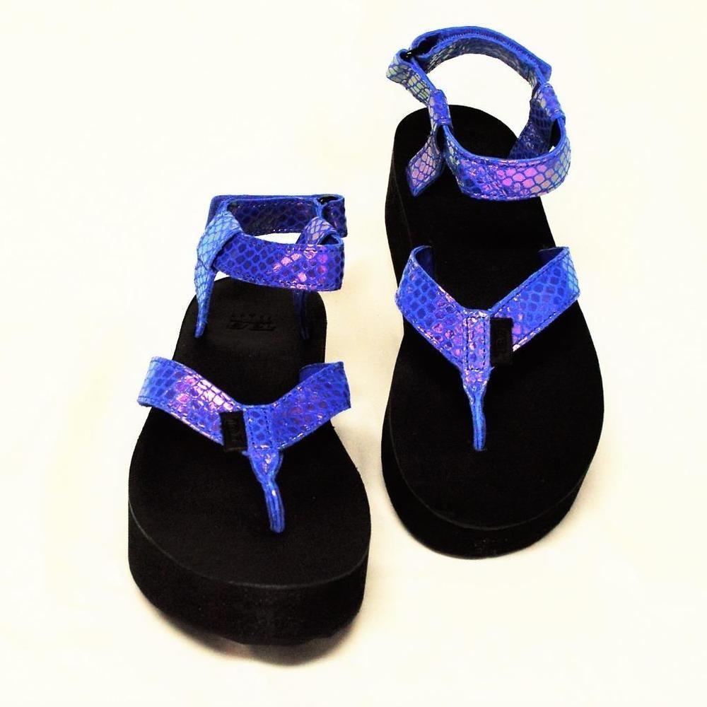 358fddc1425 NEW Teva Womens 9 40 Universal Flatflorm Platform Sandals Blue Iridescent  Thongs  Teva  FlatfoamPlatformThongs  Beach