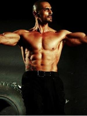 Arjun Rampal showcased his perfectly toned body in Ra.One ... Arjun Rampal Body
