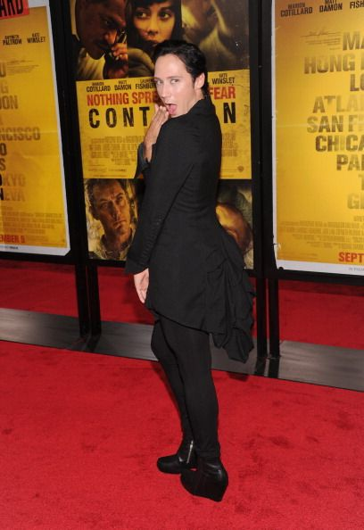 lovesgrave:  Untagged, yaaay. Love those boots!