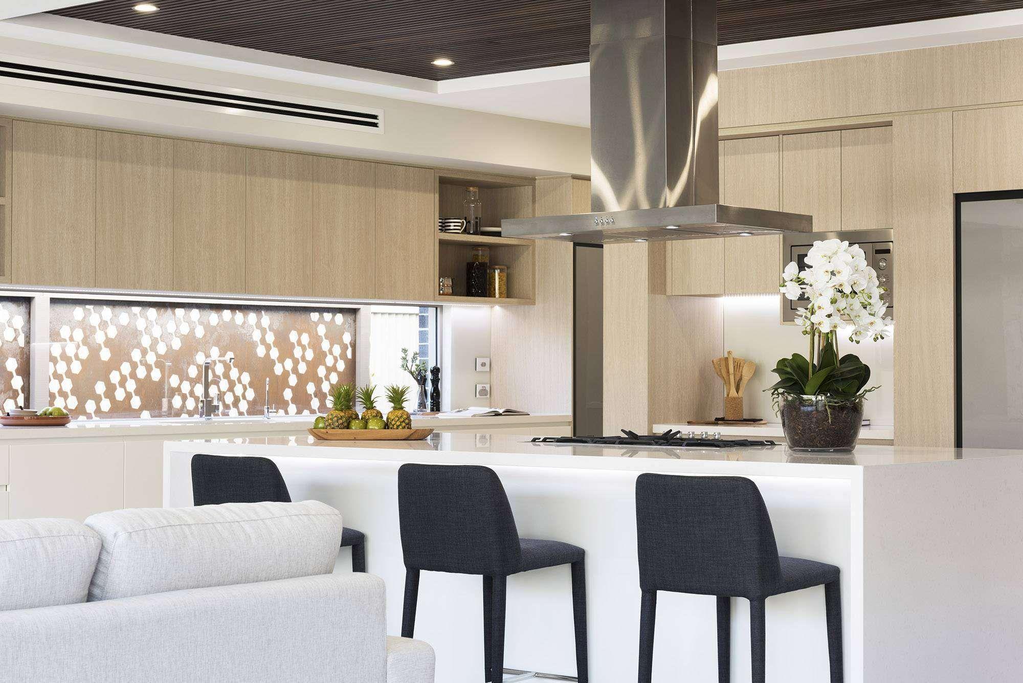 Majestic - Wisdom Homes in 2020 | Closet design layout ...