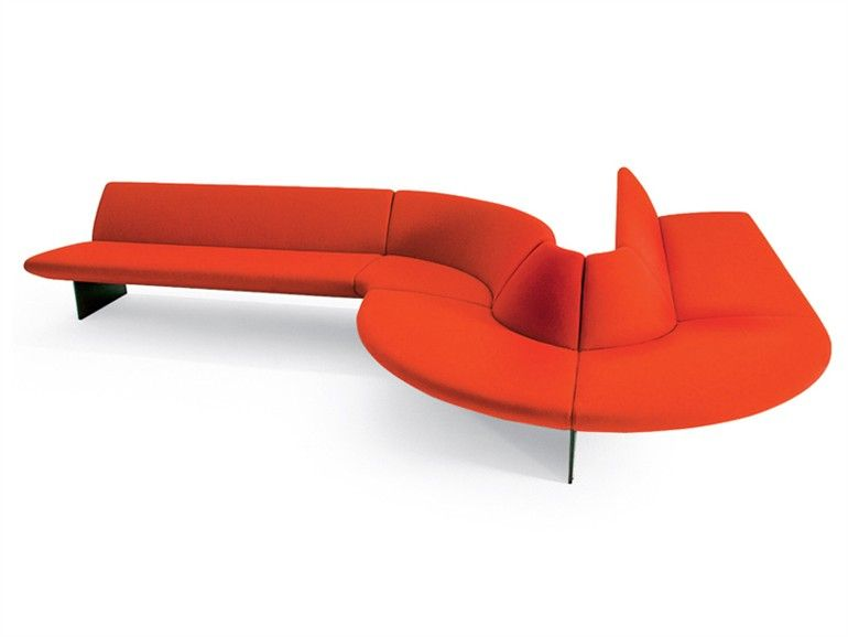 Modular Sofa SERPENTINE By MOROSO | Design Tom Dixon