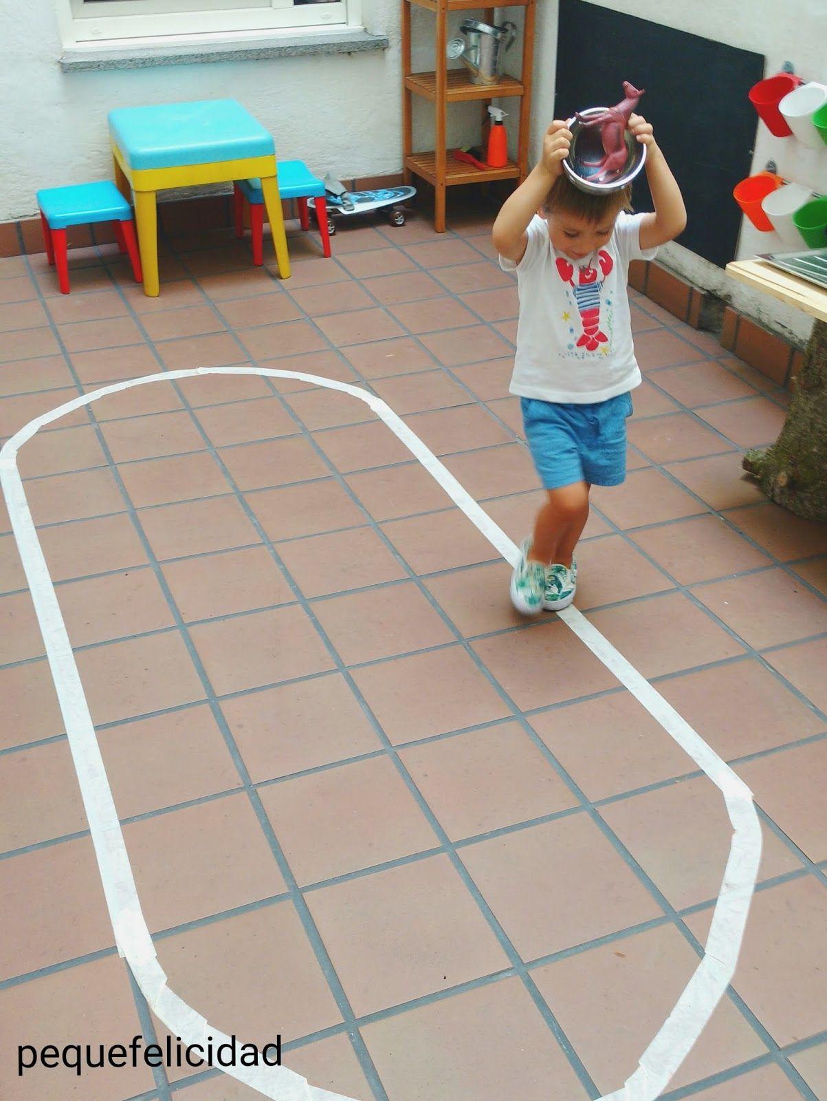 Pequefelicidad El Juego De Caminar Por La L Nea Montessori Qu  ~ Juegos Para  Ninos De Tres Años En Casa