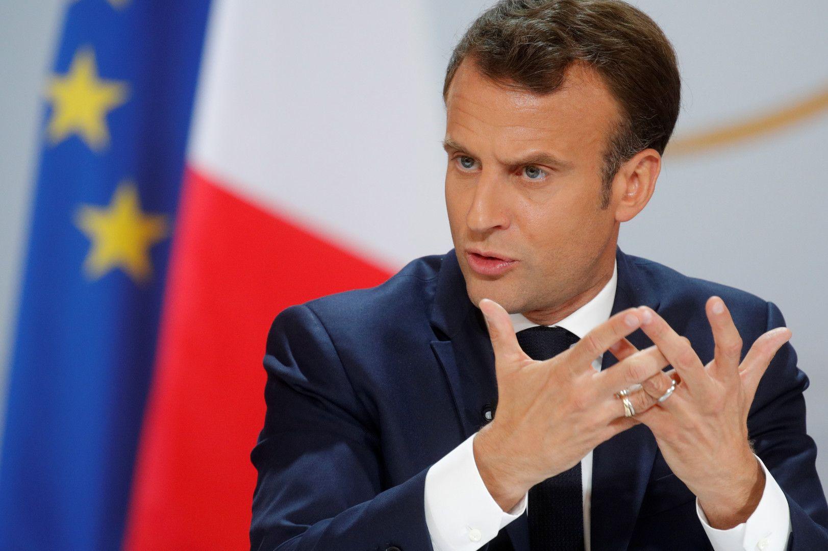 Les signaux plus ou moins subtils de Macron aux électeurs
