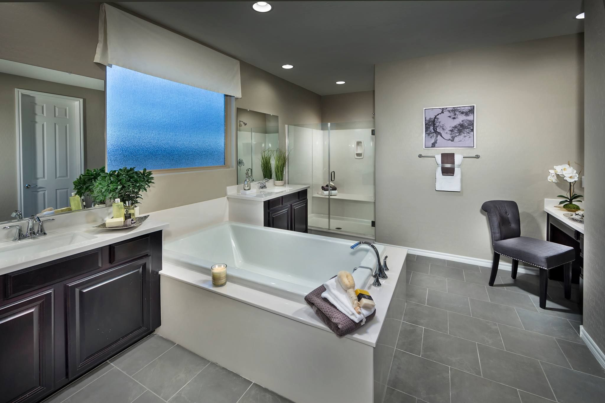 Would You Love To Be Soaking In This Tub Dream House Rooms