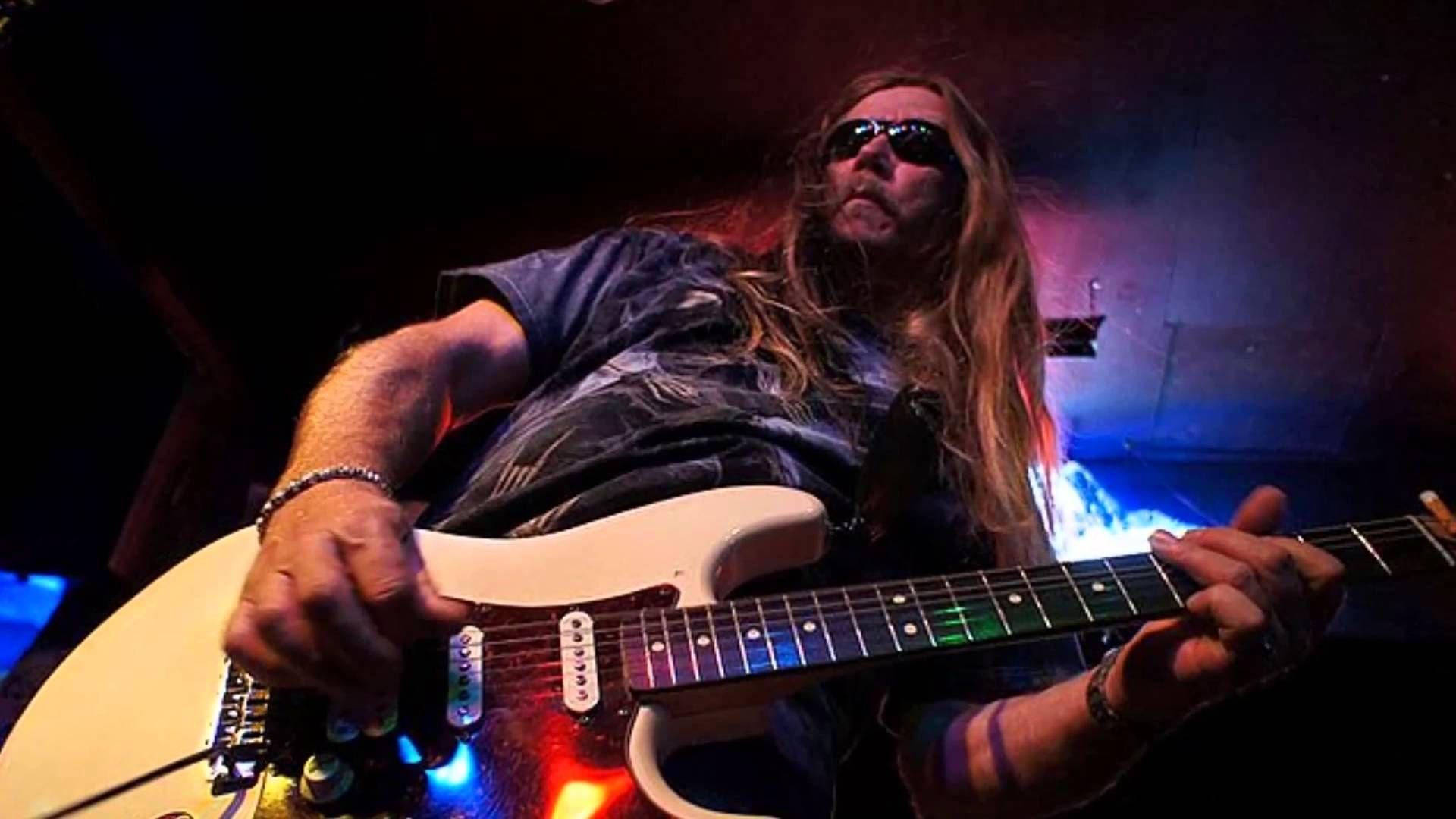 DeVille Guitar, Electric guitar, Music