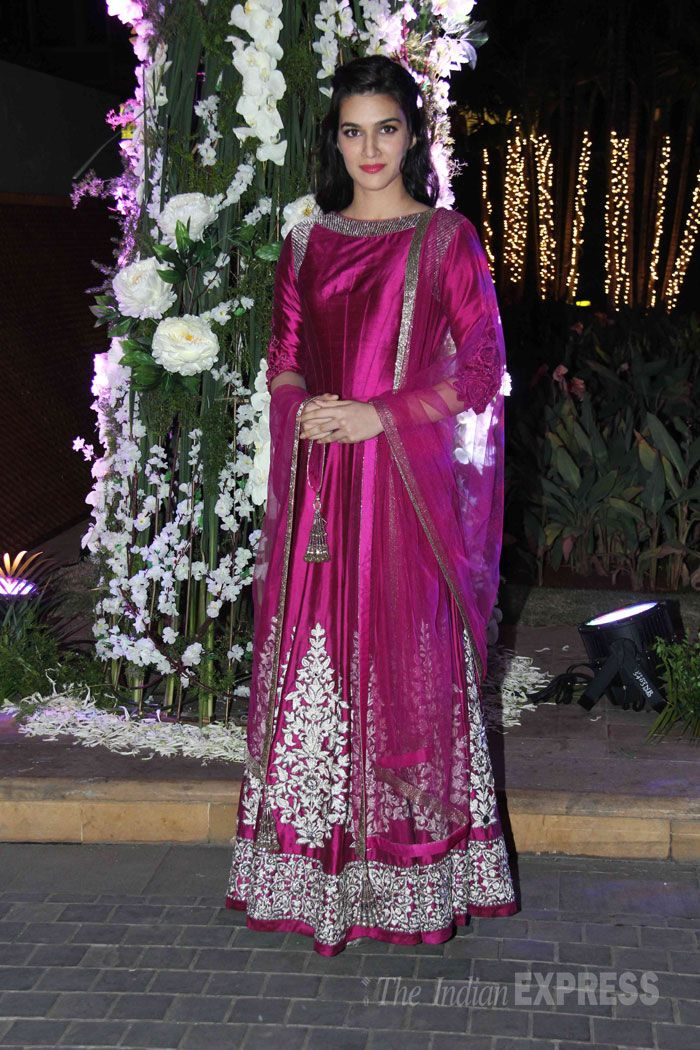 Kirti Sanon in manish Malhotra | South Asian Fashion Insipiration ...