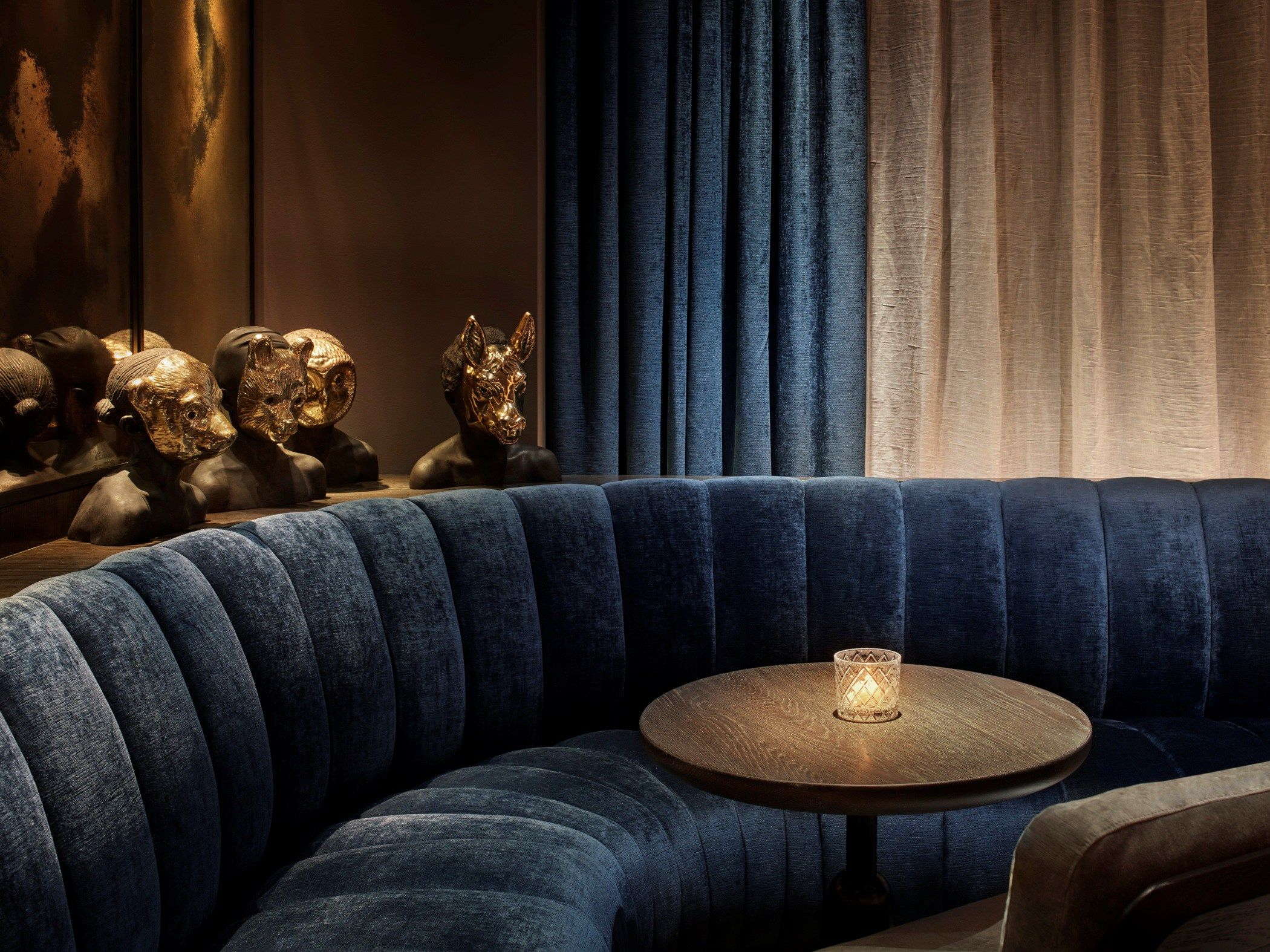 Best 11 Howard Nyc Lounge Bar Interior Design Navy Blue Crush 400 x 300