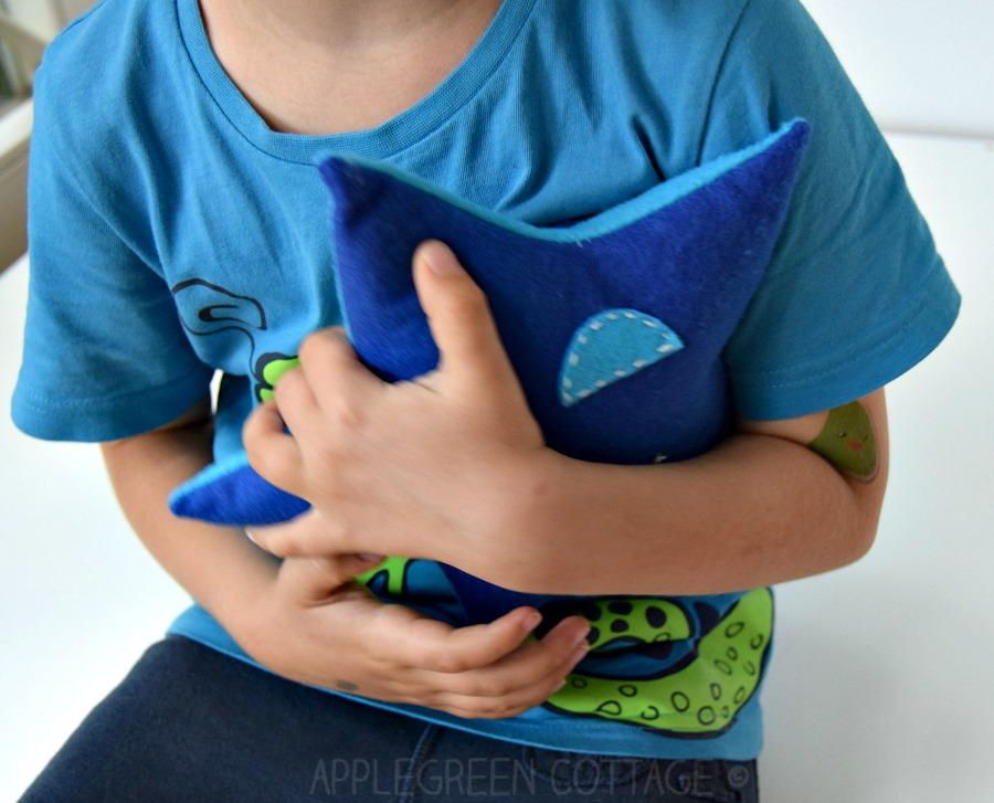 How To Sew a Star Softie | Sewing Patterns | Pinterest
