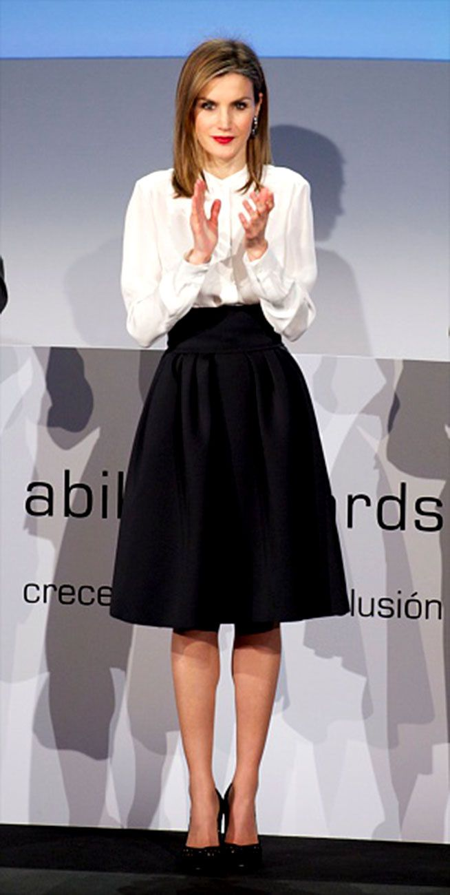 89d5c210a Reina Letizia de Espa a y la eterna elegancia del black & white ...
