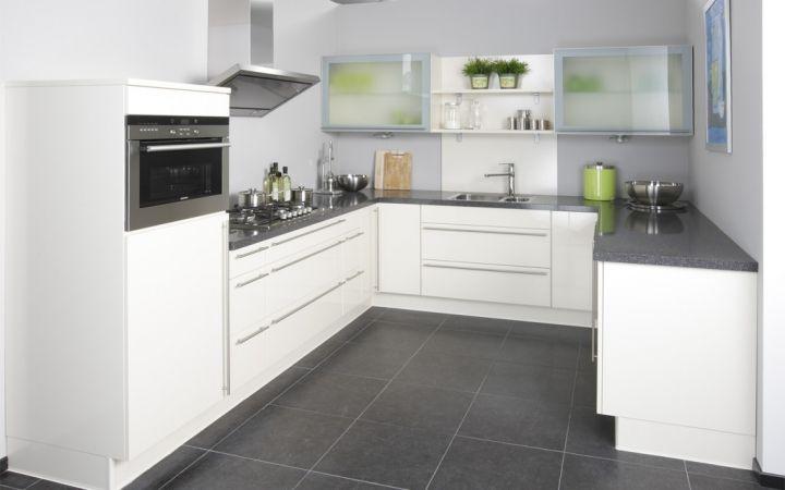 Deze Hoogglans Keuken Heeft Een Prachtig Ruimtelijk Design