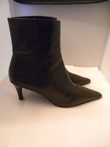 You can find this on ebay at the Shoe Diva store.