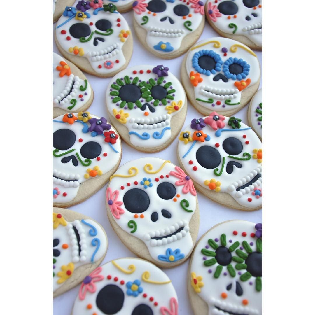 Colorful halloween skeleton head Dia de los Muertos Food - Halloween Decorated Cookies
