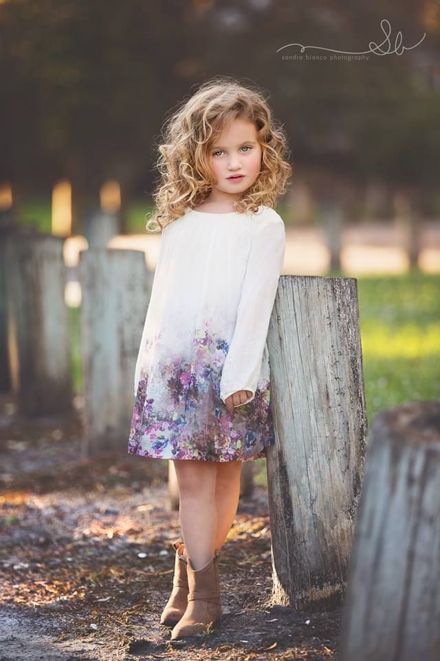 Little Girls Pose Photography Photography Family Shots