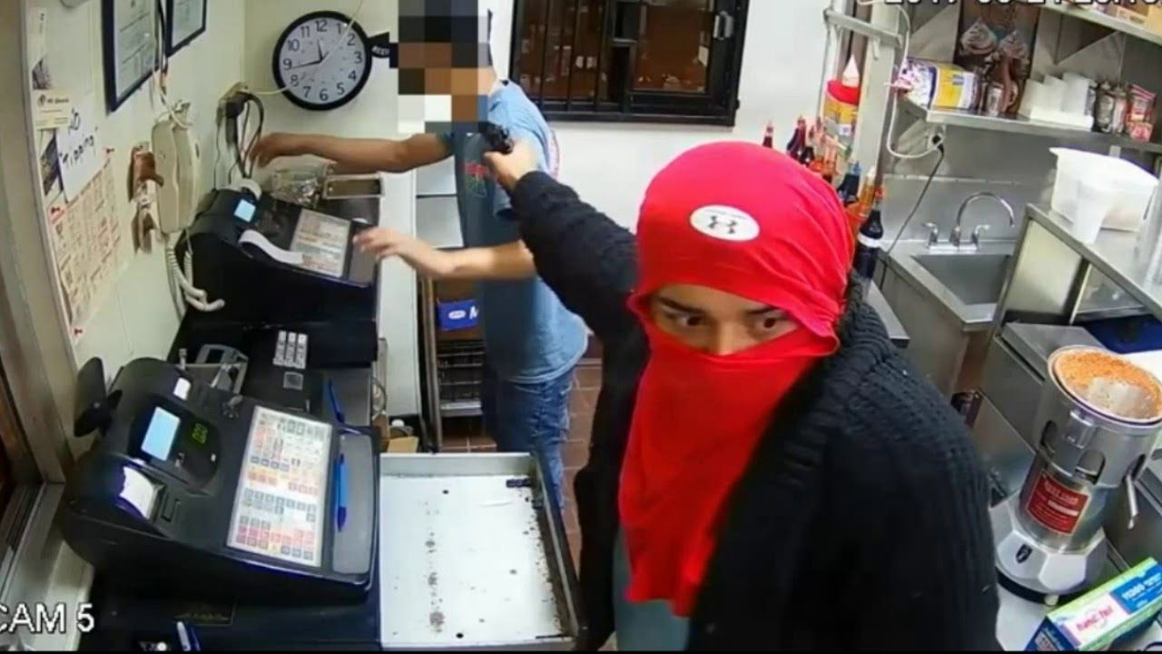 Four armed robber entered the flamingo chill cought by