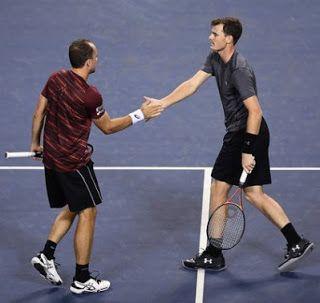Blog Esportivo do Suíço: Soares e Murray vencem americanos de virada