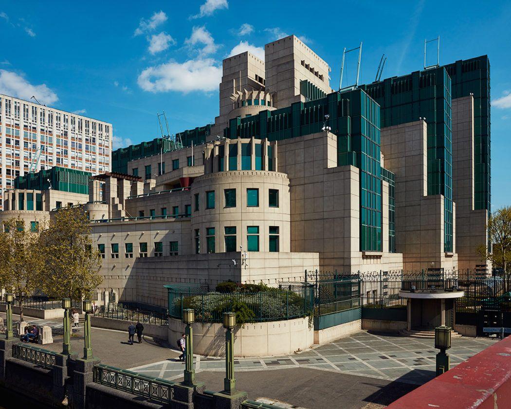 Photographer Rob Low Captures London S Eccentric Postmodern Landmarks London Architecture Postmodernism Architecture