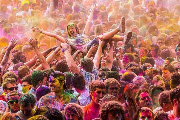 Pin By Daniels Vega B On Arte Que Adoro Holi Festival Of Colours Color Festival Holi Festival