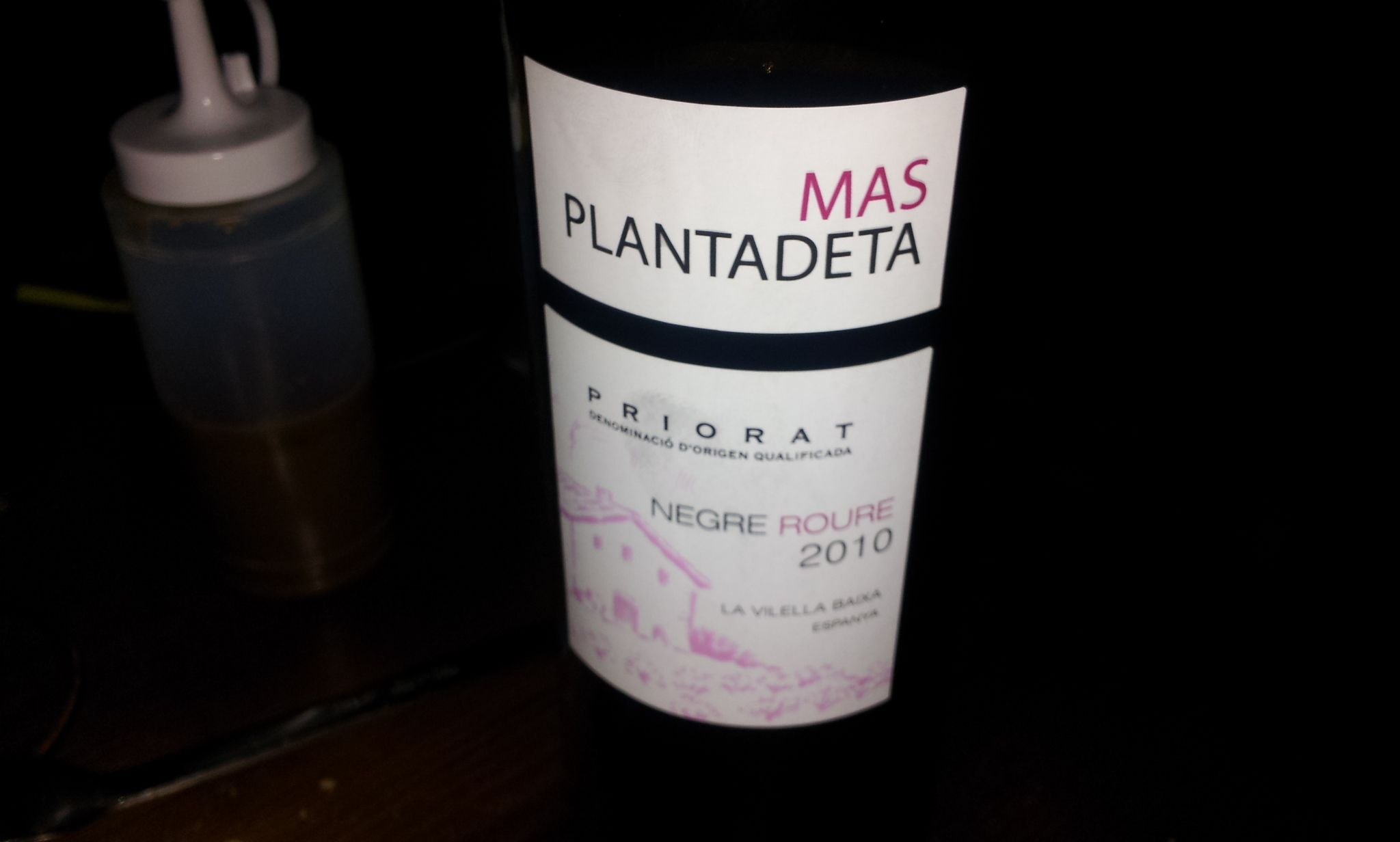 Red Wine Mas Plantadeta, D.O. Priorat (Catalunya). An exellent, powerful & tasty wine