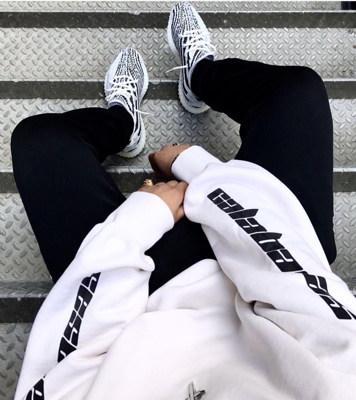 Adidas Calabasas Sweater Top & Yeezy Boost 350 V2
