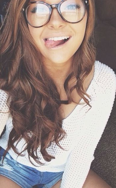 Variant, pretty girl with brown hair can suggest