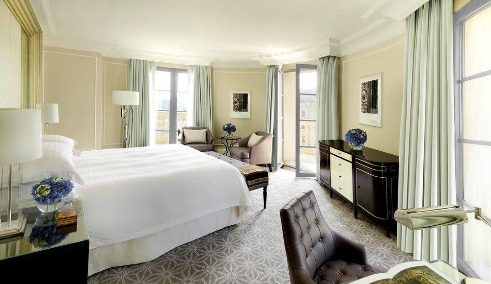 The Best Luxury Hotels And Resorts In Baku Azerbaijan Luxurious Bedrooms Luxury Hotel Bedroom Bedroom Design