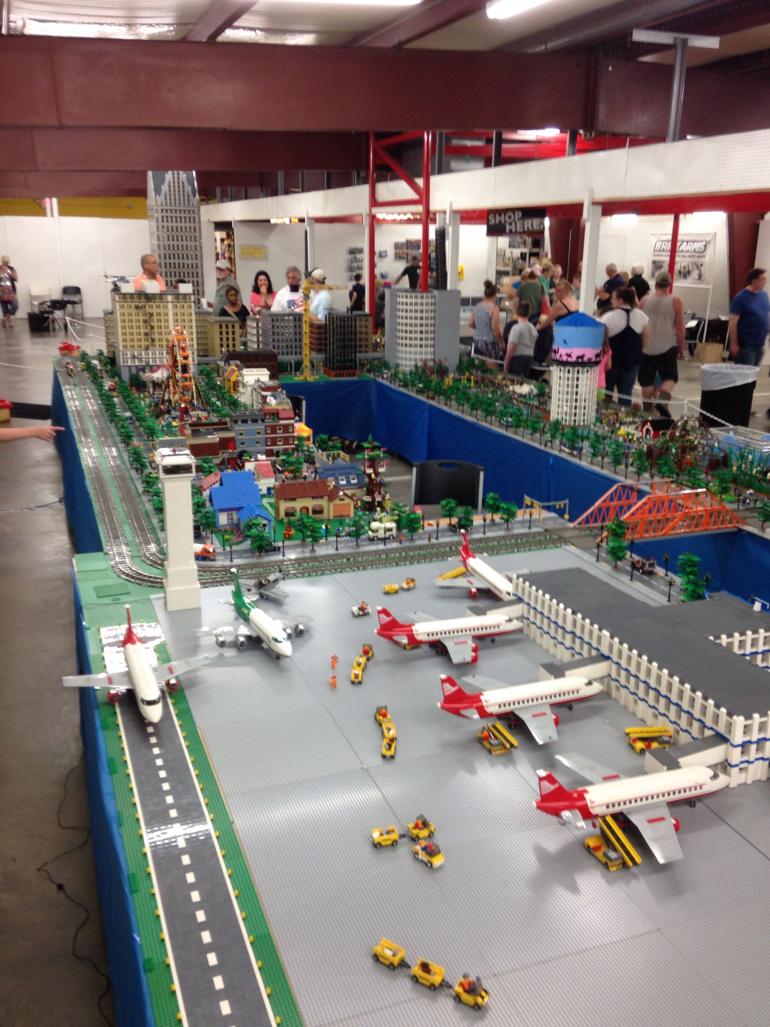 MichLUG LEGO layout at the Caesar Creek Market in Wilmington Ohio. July 26/27 2014.