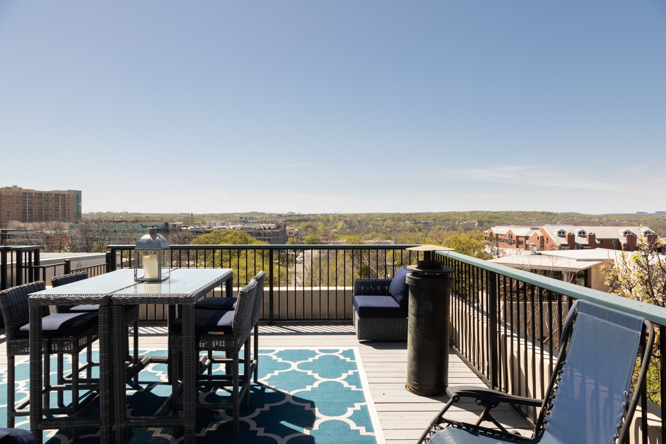 Entire Home Apt In Austin United States 2 Guests 1 Bedroom 1 Bed 1 5 Baths Sxsw Airbnb Interiordesign Travel Accommodati Rooftop Patio Condominium Condo