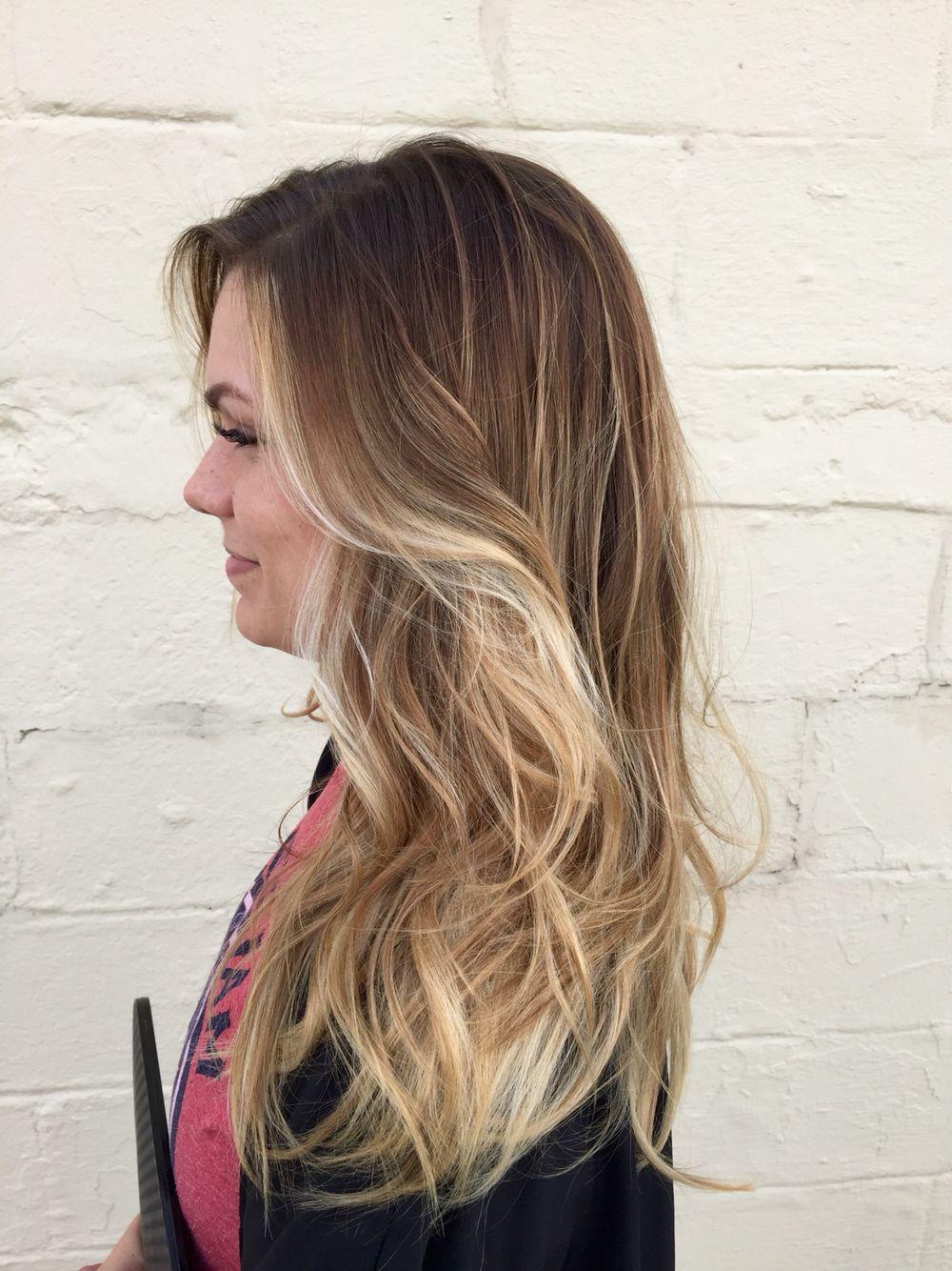 Low Maintenance Blonde Hair With Light Blonde Balayage D Highlights Instagram Marissadanell Balayage Hair Blonde Medium Balayage Hair Blonde Blonde Balayage