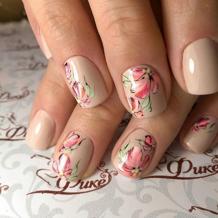 Коррекция ногтей и прекрасные весенние цветы от нейл-стилиста Любы @luba_fike…