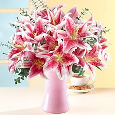 Wouldn't mind getting surprised by these one day! So beautiful!!