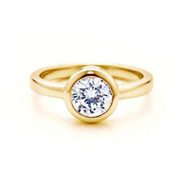 Pierścionek zaręczynowy z diamentem 2,00 ct o szlifie brylantowym wysokiej czystości SI1/G, wykonany z 18-karatowego żółte złota (próba 0,750). www.savicki.pl/kolekcje/lecoeur