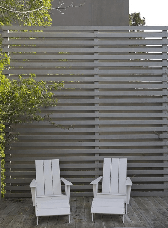 5 Fence Paint Colors to Refresh Your Exterior Curb Appeal ...